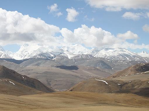 Величественные и суровые Гималаи.