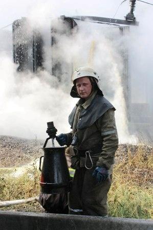 Горел понижающий трансформатор. Фото: Центр пропаганды ГУ МЧС Украины в Донецкой области.
