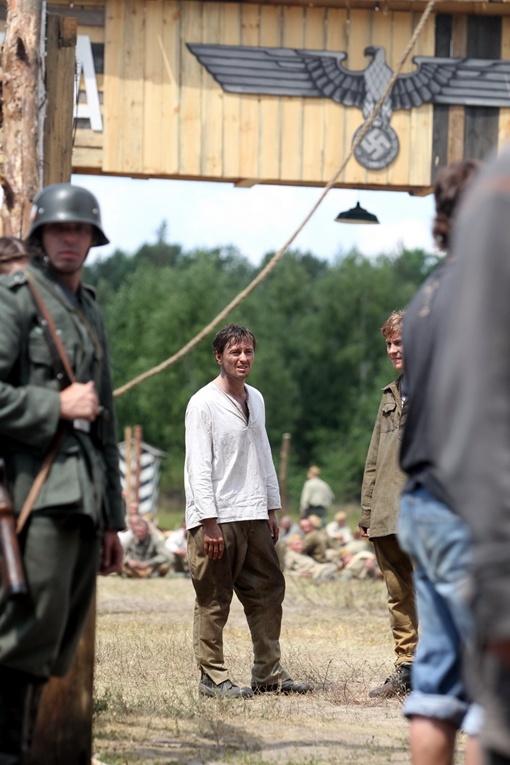 Исполнителю главной роли - Сергею Безрукову - было не до перекуса.