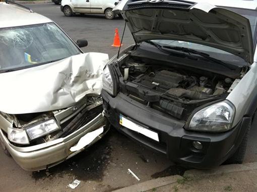 От удара оба водителя и пассажир «Жигулей» получили травмы. Фото: ГАИ Донецка.