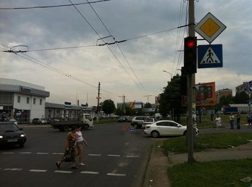 ДТП на пересечении улицы Куйбышева и Соколиной. Фото: ГАИ Донецка.
