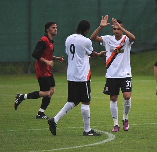 Дентиньо впервые сыграл в футболке «оранжево-черн6ых». Фото: shakhtar.com.