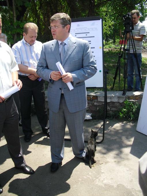 Глава области поблагодарил городского голову Днепропетровска Ивана Куличенко за хорошо проведенные подготовительные работы.