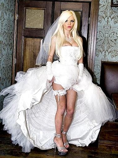 Катя Самбука даже из собственной свадьбы устроила шоу. Фото www.katyasambuka.ru.