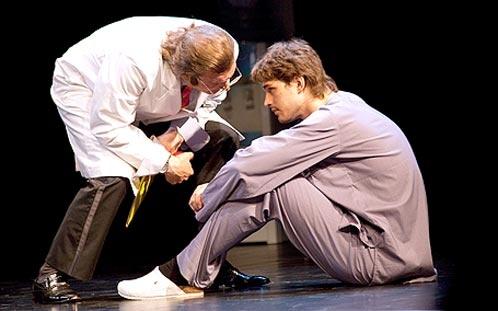 В спектакле Василий сыграл роль без слов. Фото: Денис СТРЕЛКОВ.