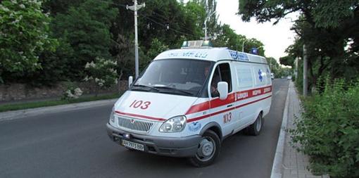 «Скорая» отвезла пострадавшего в состоянии травматического шока в отделение травматологии горбольницы №4. Фото: 0629.