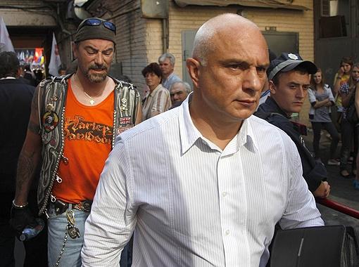 Александр Тимошенко и Шон Карр простояли под судом до вечера.