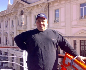 Юрия Коваля уже больше года дома ждут две дочери и жена.