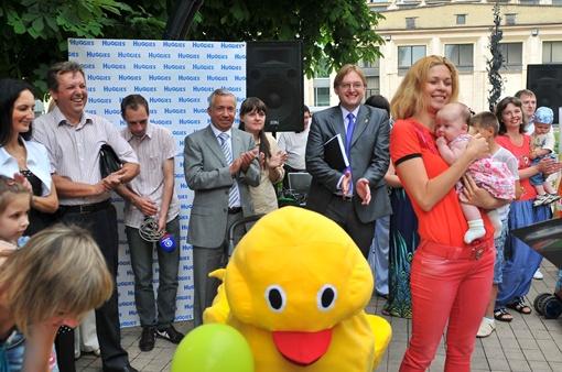На параде колясок присутствовали первые лица города. Фото: Константин Буновский.