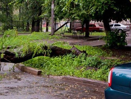 Луганчане боятся выходить на улицы. Фото с сайта 0642.com.ua.