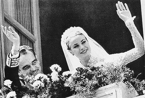 Родители Альбера II - князь Ренье III и неотразимая Грейс Келли. Это была одна из самых красивых свадеб в истории...
