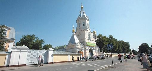 Покровительницей монастыря была Анна Андро - любовь Пушкина.