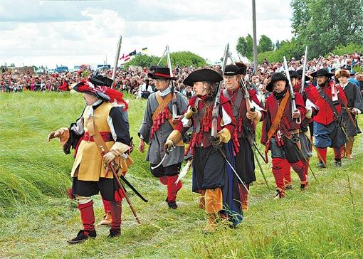 От пуговицы до оружия - все соответствовало духу XVII столетия.
