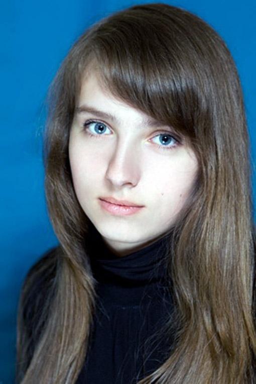 В этом году Александра с отличием закончила второй курс КПИ, а в Запорожье приехала к родителям на каникулы.