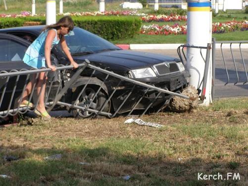 В столкновении двух иномарок крымчане выжили только благодаря подушкам безопасности фото 2