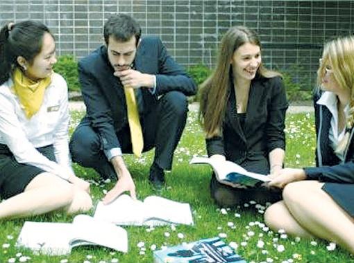 У каждого студента есть возможность применить полученные знания на практике.