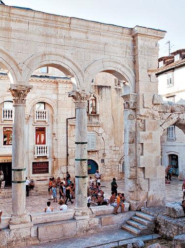 Главная достопримечательность Сплита - дворец Диоклетиана.