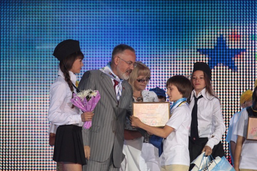 Лауреатов поздравил министр образования и науки, молодежи и спорта Украины Дмитрий ТАБАЧНИК. Фото пресс-службы