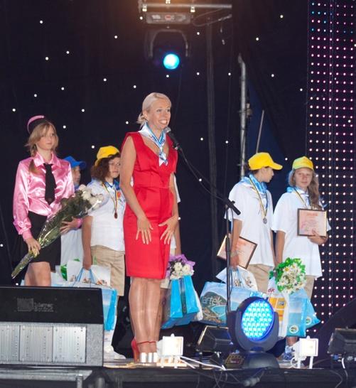 Елена Поддубная пожелала детям верить в свою мечту. Фото пресс-службы