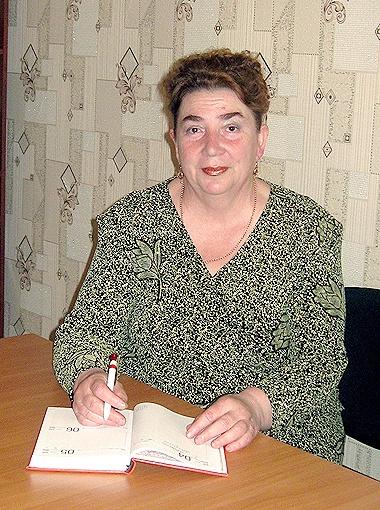 Сейчас Людмила Александровна на пенсии и занимается внуком.