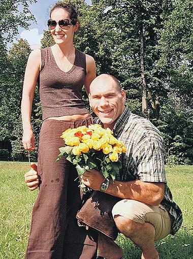 С женой Галиной Николай Валуев вместе уже больше десяти лет. Супруги воспитывают сына Григория и дочь Ирину. Фото Александра Левита,