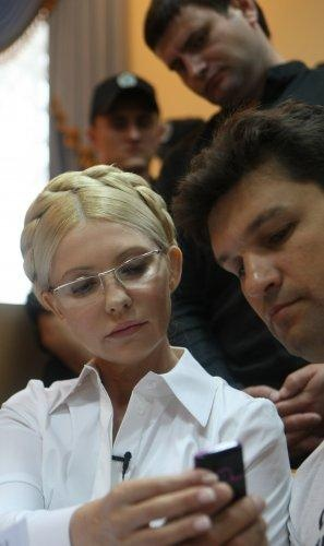 Тимошенко продолажет воевать с судьей. Фото УНИАН.