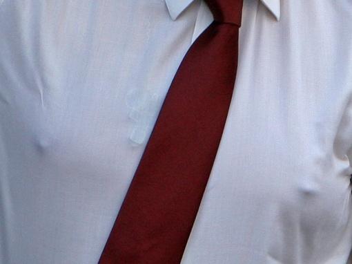 Президент носит нательный крест и маленькую иконку. Фото phylloscopus.livejournal.com.