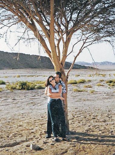 Дина с мужем - редкое фото: он боится фотографироваться вместе, чтобы не сглазить счастье.
