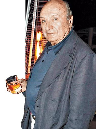 Михаил Жванецкий предпочитает виски.