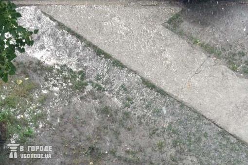 Затопленные тротуары.