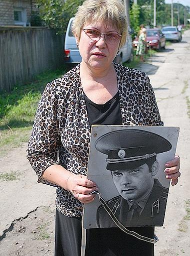 Жена Людмила Бунина: - Он до конца своих дней не понимал, за что его так любят люди... Фото Антона ЛУЩИКА.