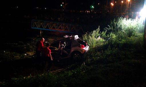 Машину достали уже ночью. Фото автора