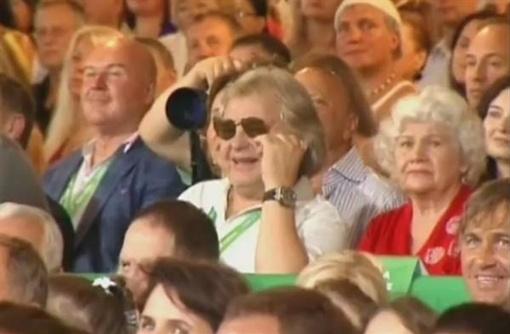 Юрий Антонов улыбнулся первый раз за вечер.