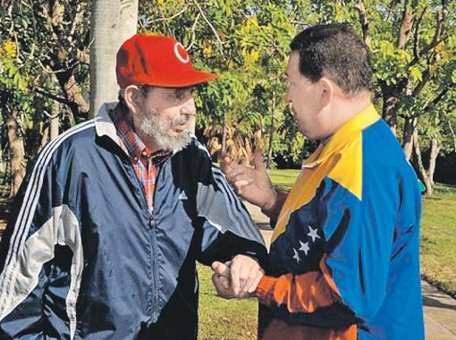 Фидель Кастро и Уго Чавес, по слухам, лечатся у кубинских колдунов. И здоровы! Фото Рейтер.