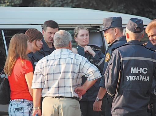 От многочасовой неизвестности родственники пропавших забойщиков впадали в шоковое состояние. Со всеми работали психологи.
