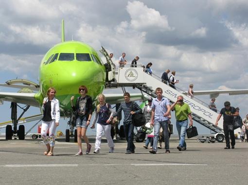 Причины внезапного банкротства авиаперевозчка  в самый разгар курортного сезона властям Крыма не известны