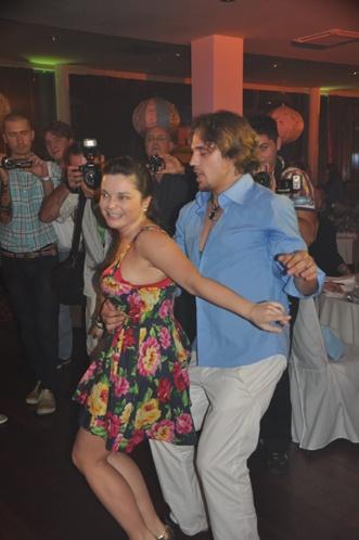 Королева танцевала танго с танцором Киркорова. Фото: Елена ЛАПТЕВА