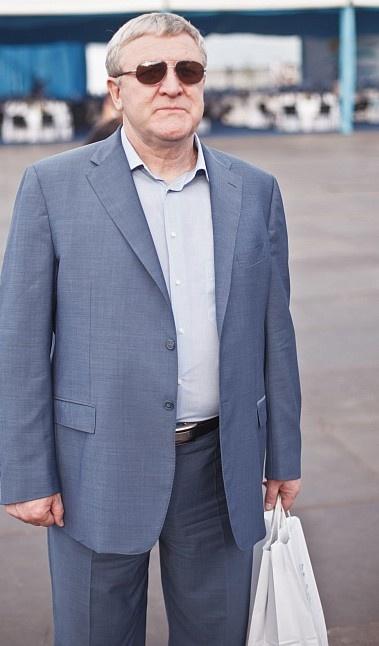 Министр Ежель держал в руках пакетик... Фото: ТаблоID