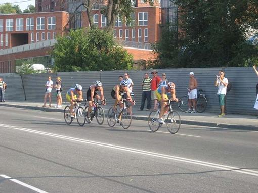 Спортсмены достигли финиша одновременно. Фото автора