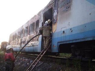 Пострадал сам вагон, жертв нет. Фото: пресс-служба МЧС.