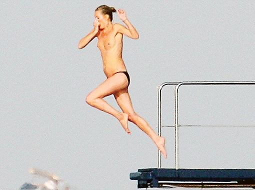 Кейт нечего стесняться, ведь её фигура по-прежнему стройна и подтянута. Фото Daily Mail.
