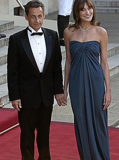 Супруга Николя Саркози Карла Бруни возглавила список самых хорошо одетых женщин. Фото Daily Mail.