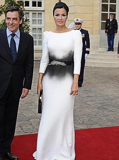 Моза Бин Насер Аль Мисснад - поклонница модельера Жана-Поля Готье. Фото АР.