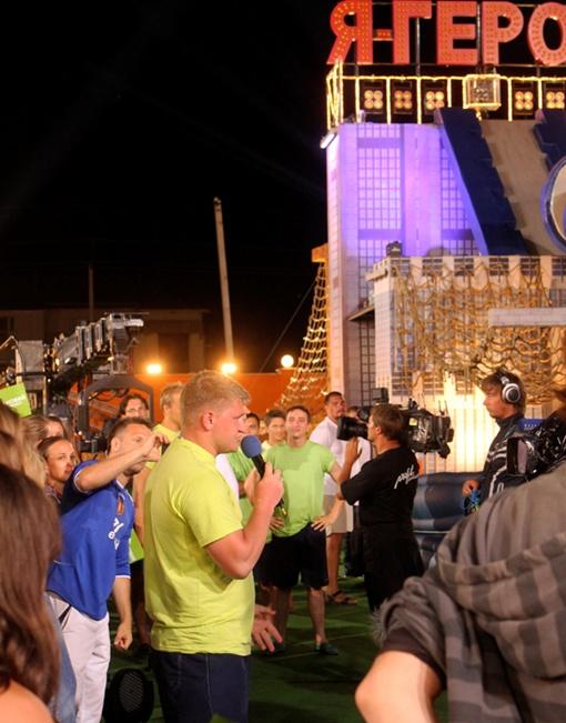 В вечер своего ухода артист а капелла спел для всех участников. Фото пресс-службы.