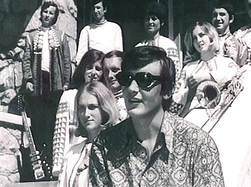 Владимир Ивасюк  на съемочной площадке выглядел необыкновенно стильно.