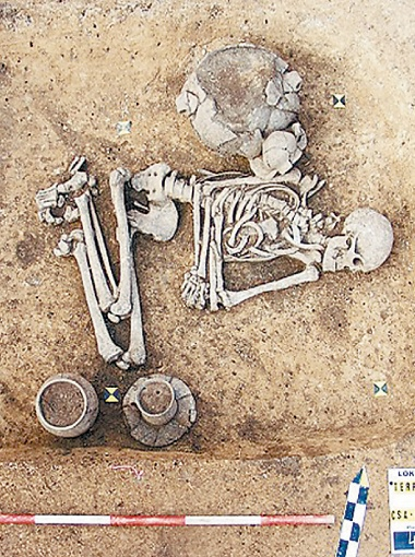 Могила первобытного гея: мужчина похоронен, как женщина.