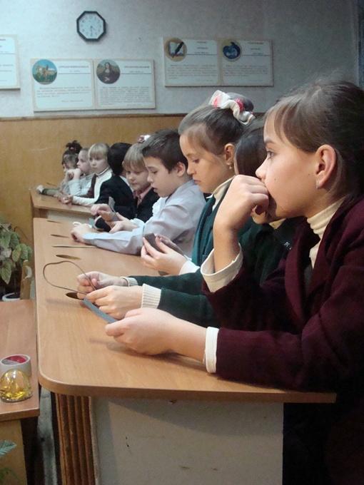За парты дети сядут, как и всегда, 1 сентября. Фото из архива