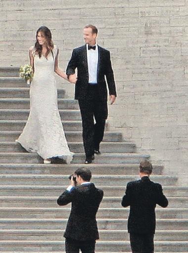 Евгения и Пьер отметили свадьбу с размахом - в одном из самых красивых дворцов Европы.