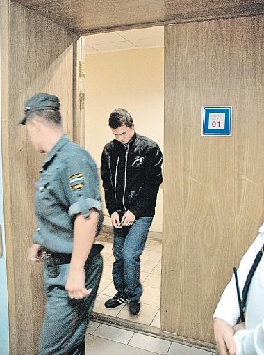 Когда Иванченко услышал, что его посадят до 29 сентября, он расплакался. Фото автора.