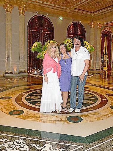 Павел Зибров с супругой Мариной и дочерью Дианой.
